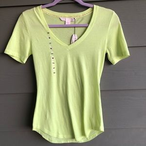 NWT Vibrant VS XS Shirt